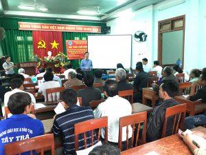 PGS.TS Nguyễn Xuân Bả trình bày tại hội nghị